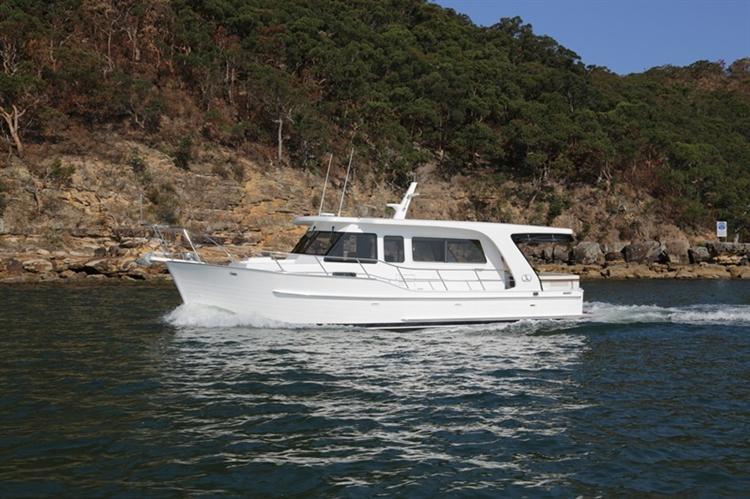 Integrity Boats 380 Sedan